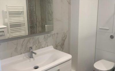 Marbre & Bois le combo parfait pour votre salle de bain en 2020 !